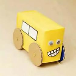 幼儿园牛奶盒废物利用 手工制作玩具小汽车