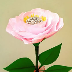 手工皱纹纸玫瑰的做法 简易玫瑰花手工制作
