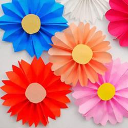 幼儿园彩纸做花的教程 简单手工纸花制作方法