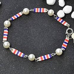 用别针做手链的方法 自制简易珍珠手链图解