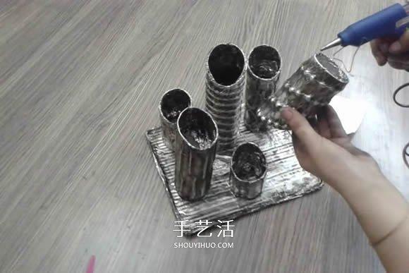 卷纸筒保鲜膜筒废物利用 手工制作多孔笔筒 -  www.shouyihuo.com