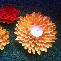 用开心果壳手工制作花朵和莲花烛台的方法