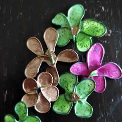 自制美丽指甲油花的方法 用来点缀饰品超好看