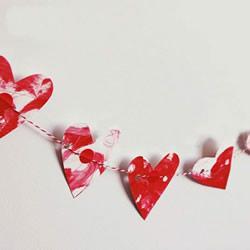 代表爱和感恩!简单又漂亮卡纸爱心挂饰制作
