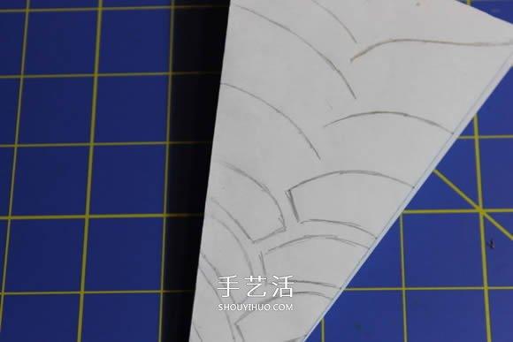 几种漂亮雪花的折叠和剪纸方法图解步骤 -  www.shouyihuo.com