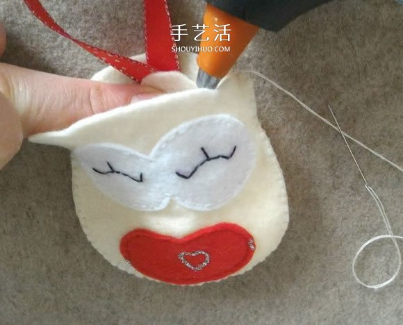 送男友的情人节礼物!自制布艺猫头鹰钥匙圈挂件 -  www.shouyihuo.com