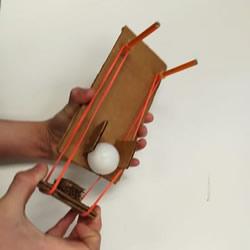 硬纸板手工制作乒乓球弹射器玩具的方法