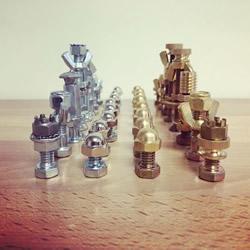 创意紧固件DIY!用螺丝螺帽制作国际象棋