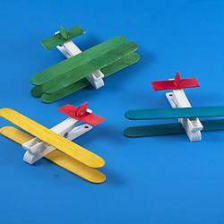 幼儿园手工制作小飞机模型的超简单方法