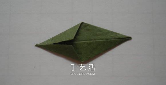 最簡單摺紙鬱金香貼畫的製作方法圖解