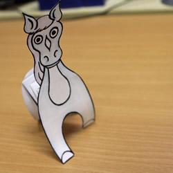 简单又好玩弹簧马的折叠方法图解教程