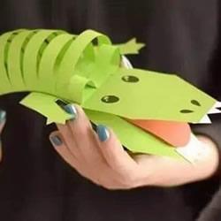 幼儿园手工制作卡纸鳄鱼的方法 简单又好玩!