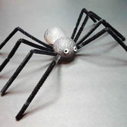 幼儿园简单万圣节蜘蛛的手工制作教程图解