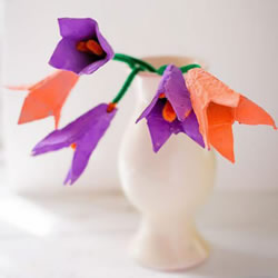 简单又漂亮!手工鸡蛋托花装饰品的制作方法
