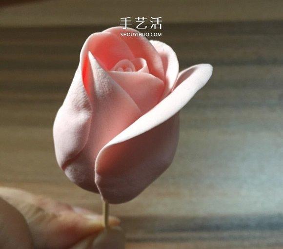 超轻粘土玫瑰花的手工制作方法图解 -  www.shouyihuo.com