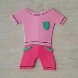 简单又可爱!海绵纸手工制作衣服贴画的方法