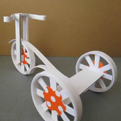 卡纸手工制作三轮车模型的方法