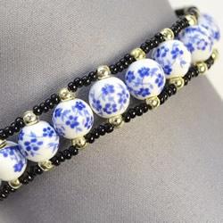 中国风陶瓷珠子手链的制作方法图解