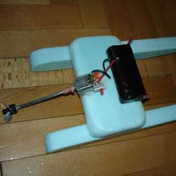 自制电动双体船的方法