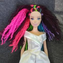 时尚新潮的芭比娃娃彩虹发型DIY