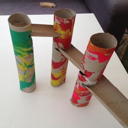 卷纸筒手工制作滚弹珠玩具的教程