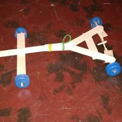 冰淇淋棒手工制作橡皮筋动力车的教程