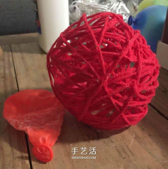 毛线手工制作圣诞灯饰的方法教程 -  www.shouyihuo.com