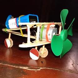 自制电动玩具飞机的方法教程