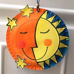 幼儿园用纸盘做太阳月亮挂饰的教程
