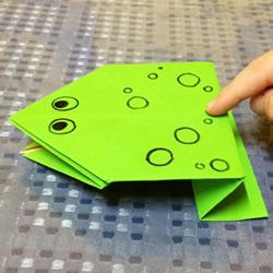 简单折纸青蛙的详细步骤图解