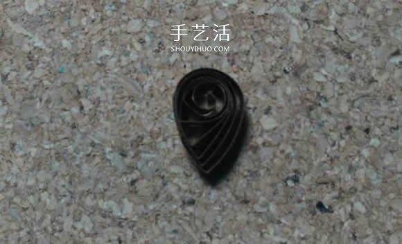 简单衍纸小蜜蜂的做法图解教程 -  www.shouyihuo.com