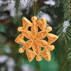 简单的冬天衍纸雪花挂饰的做法图解