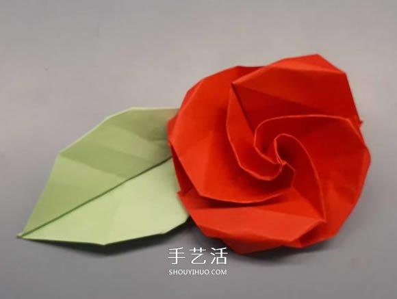 简单卷心纸玫瑰的折纸方法图解教程 - www.shouyihuo.com