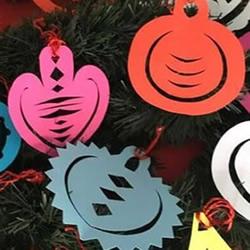 幼儿园手工剪纸圣诞球的做法图解