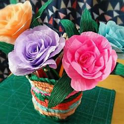 皱纹纸手工制作美丽纸花的做法图解