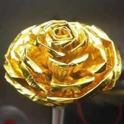 巧克力包装纸废物利用制作情人节玫瑰