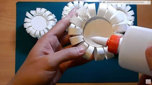 自制超好看纸杯灯笼的方法教程 -  www.shouyihuo.com
