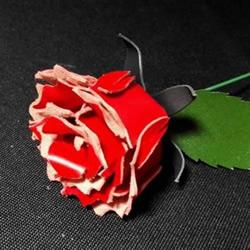 皮革手工制作红色玫瑰花的做法