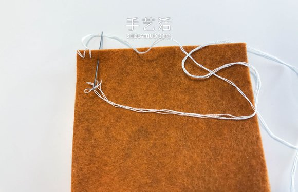 剪兩塊氈布縫一下 自製飾花筆袋的教程
