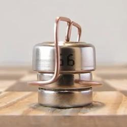 微型磁铁电机DIY 放上铜线就能悬空旋转!