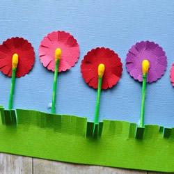 春天的记忆!用棉签和卡纸做可爱花朵贴画