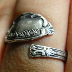 旧的银勺子改造首饰 DIY一枚复古戒指!