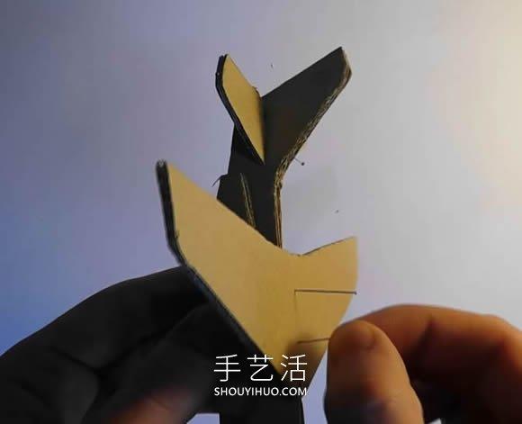 硬纸板手工制作阿尔法喷气机的做法视频 -  www.shouyihuo.com