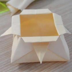 简单又漂亮!手工折纸花型垃圾盒的视频教程