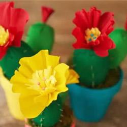 皱纹纸手工制作开花的仙人掌的做法教程