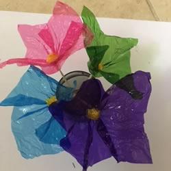玻璃纸简单手工制作花朵的做法教程