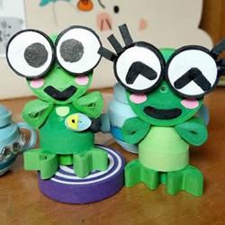 简单的衍纸绿色小青蛙手工制作教程