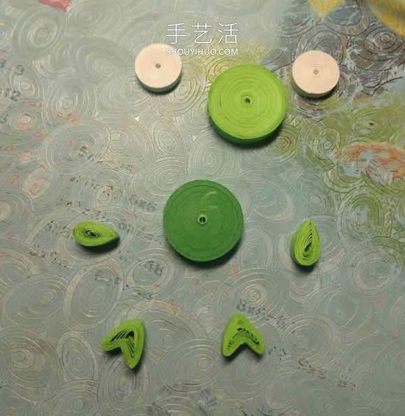 简单的衍纸绿色小青蛙手工制作教程 -  www.shouyihuo.com