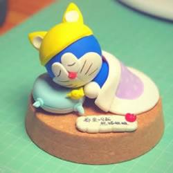 超轻粘土手工制作睡觉的哆啦A梦的做法图解