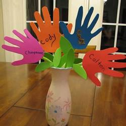 幼儿手工制作教师节手掌花礼物的做法教程